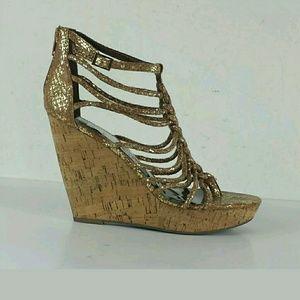 NWOT 6 in Platform Wedge Heel Sandals